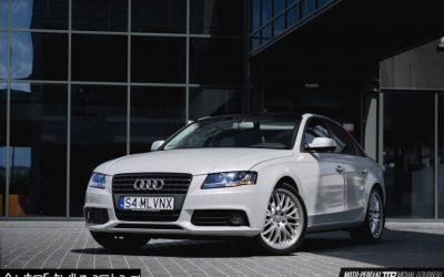 Profesjonalne Oklejanie Audi A4 Folią Silver Diamond