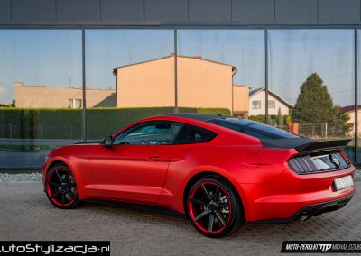 Ford Mustant Red Satin
