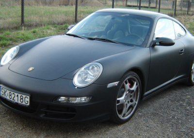 Zmiana koloru Porsche 911 na czarny mat