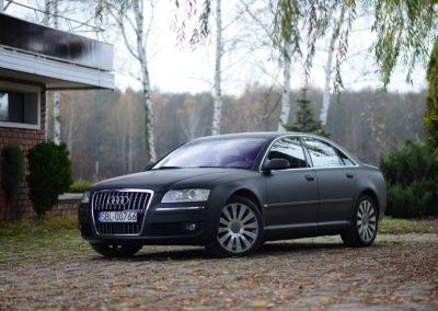 Zmiana koloru Audi A8 z Folią Czarny Mat