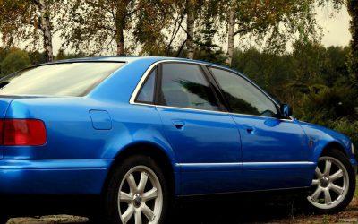 Oklejanie Karoserii Samochodu AUDI A8 na Niebieski Metalik