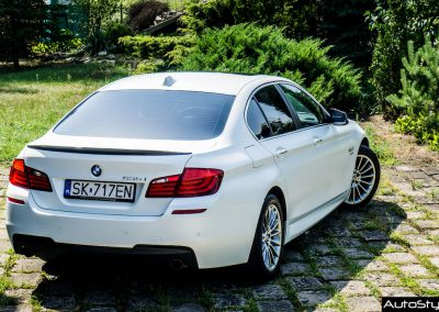 Car Wrapping – BMW 5 Sedan – Satin Pearl White
