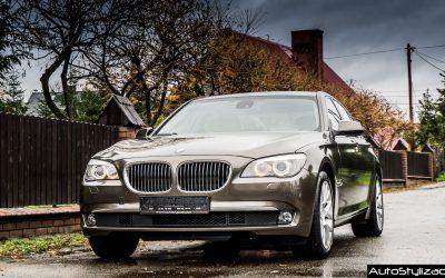 Stylizacja Auta BMW 7 F01 Folią Brązowy Metalik