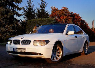 Oklejanie Karoserii Auta BMW 7 Folią Biały Połysk