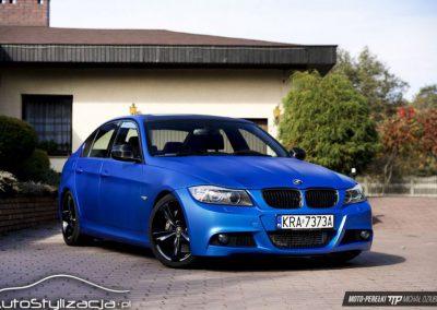 Oklejanie BMW 3 E90 Folią Niebieski Mat Metalik