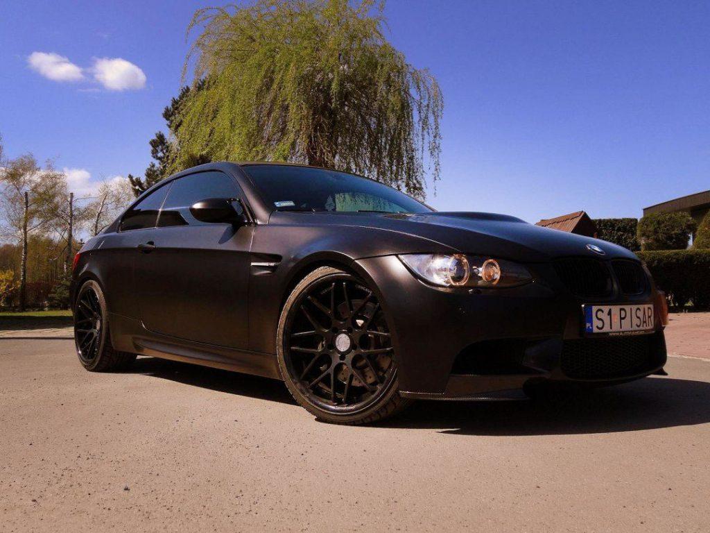 Oklejanie BMW M3 Folią Satin Black