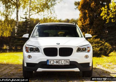 Oklejanie Pojazdu BMW X1 Folią Biały Połysk