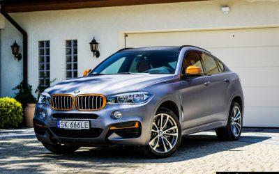 Zmiana Koloru Auta BMW X6 z Folią Carbon Antracyt