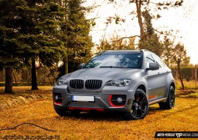 Oklejanie Lakieru Samochodu BMW X6 Folią Szary Mat