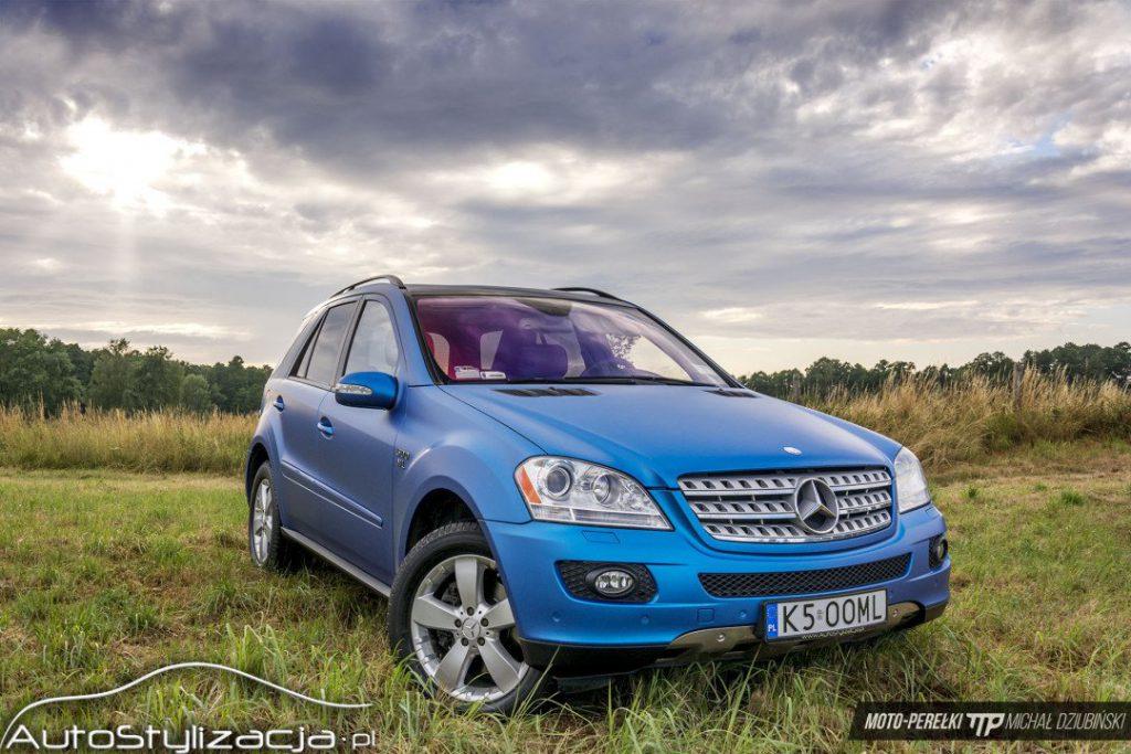 Oklejanie Auta Ford Folią Niebieski Mat