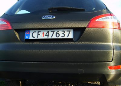 Ford Mondeo Black Carbon
