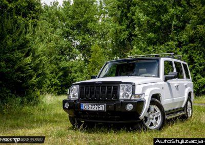 Oklejanie Folią Karoserii Samochodu Jeep Commander