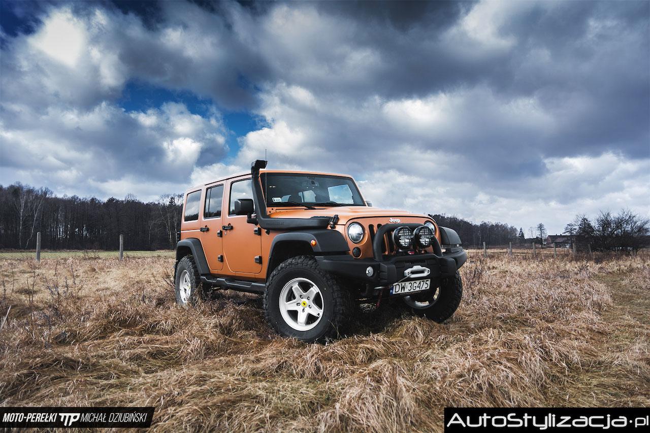 Oklejanie Samochodu Jeep Folią