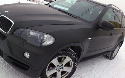 Oklejenie folią samochodu BMW X5