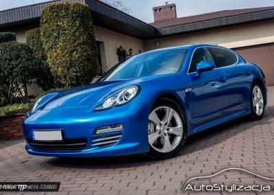 Oklejanie Porsche Panamera Folią Niebieski Metalic