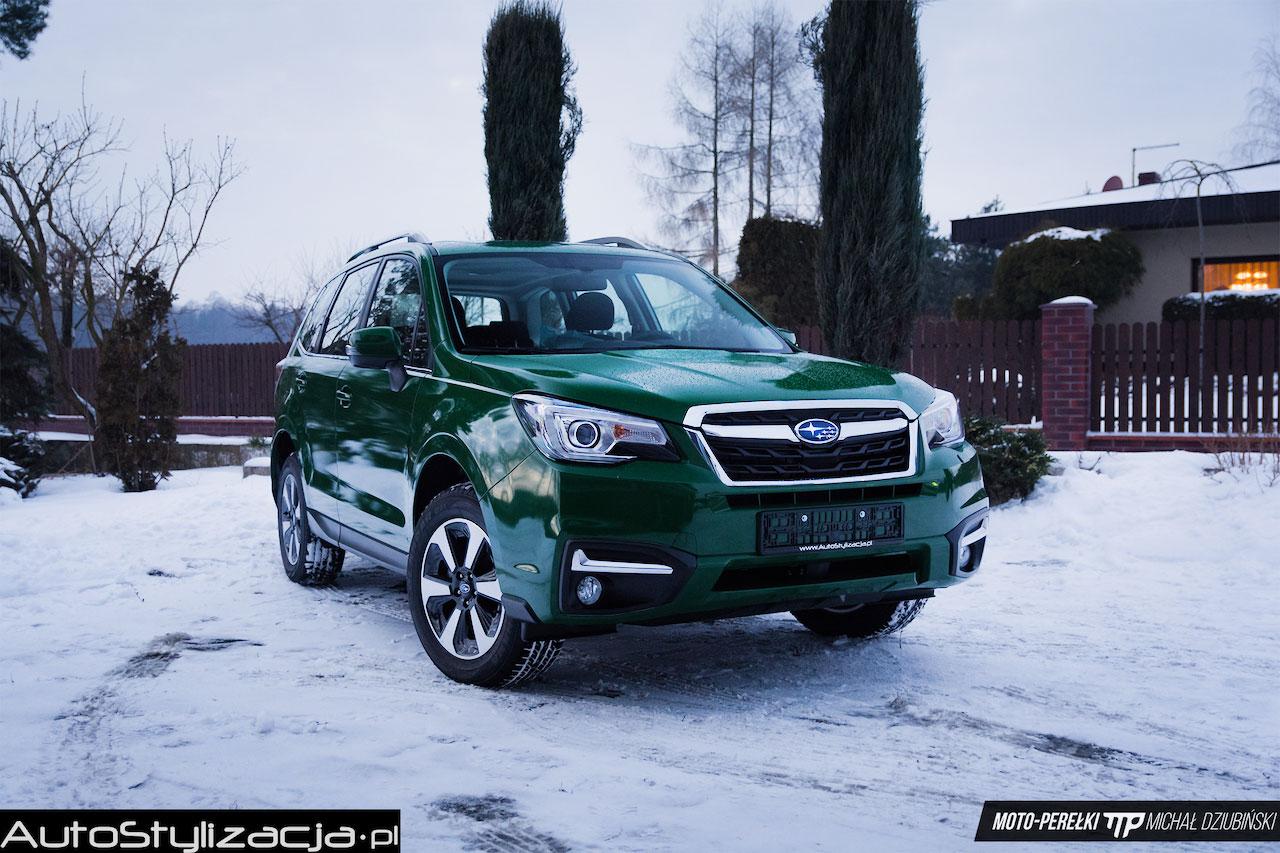 Oklejanie Auta Subaru Folią Zielony Połysk