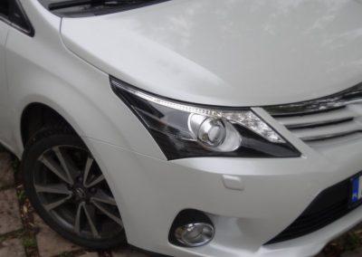 Toyota Folia Biała Perła