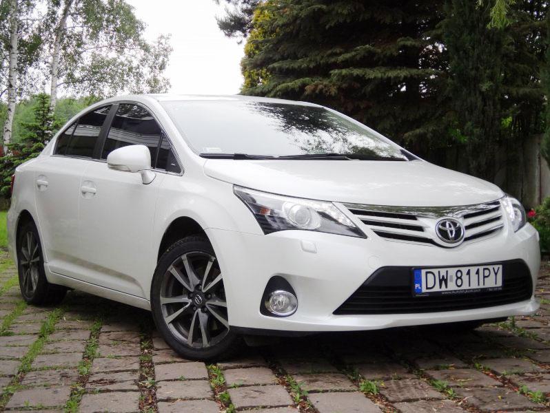 Oklejanie Karoserii Samochodu Toyota