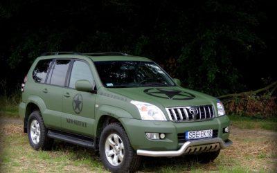 Oklejanie folią auta Toyota Land Cruiser