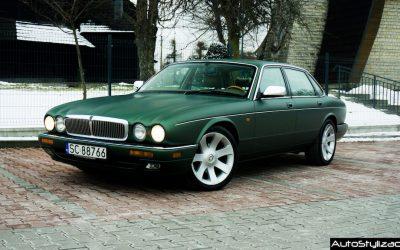 Oklejanie Samochodu Jaguar XJ6 Folią Zielony Metalik