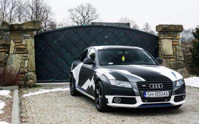 Oklejenie Auta Audi A4 Folią Kamuflaż w Stylu Camo
