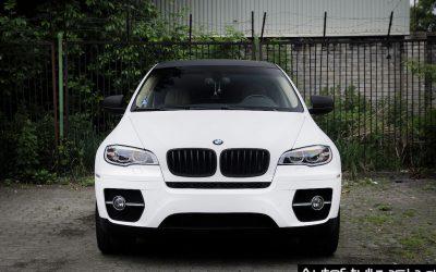 Folia Avery w Kolorze Biały Mat na Karoserii Auta BMW X6