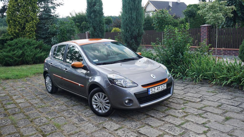 Oklejanie Dodatków w Renault Clio