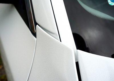 Oklejanie Słupków w Samochodzie BMW