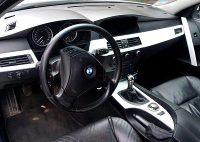 Stylizacja Wnętrza BMW Folią Carbon