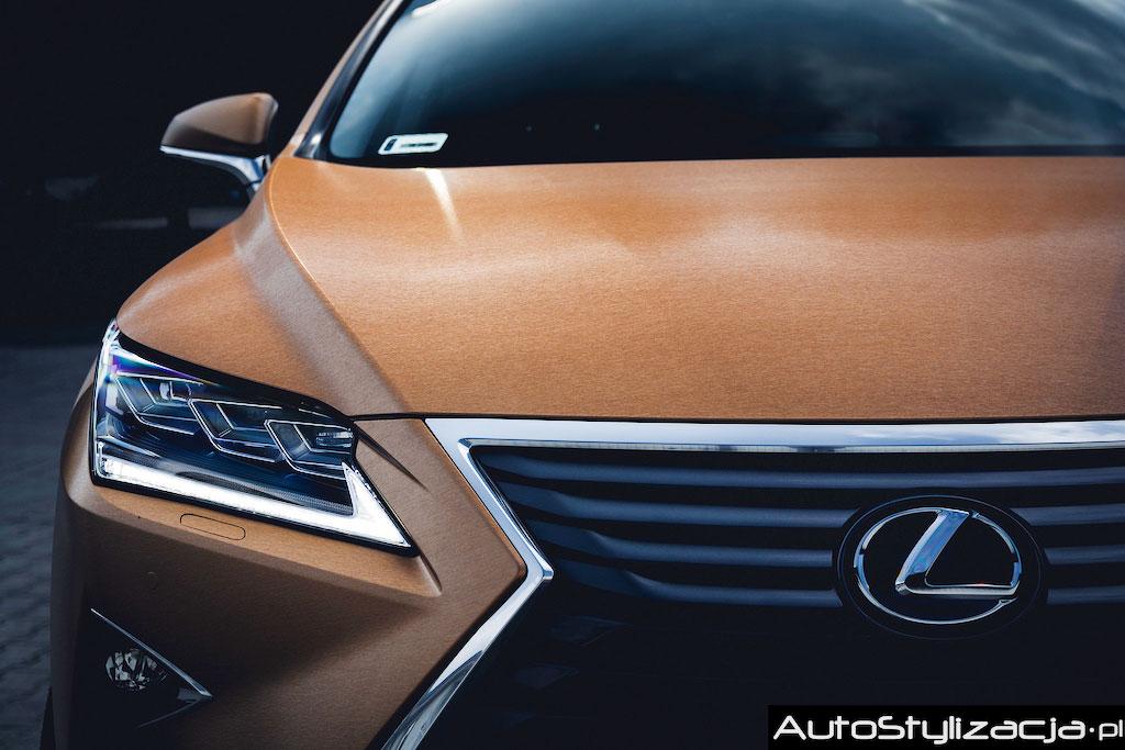 Oklejanie Lexusa RX Złotą Folią Avery