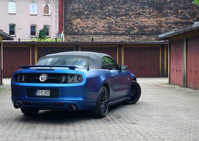 Zmiana Koloru Forda Mustang Folia Avery