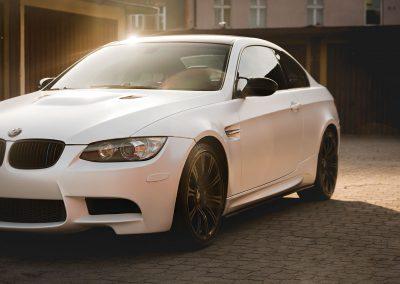 Oklejanie Samochodu BMW M3 Folią od Avery