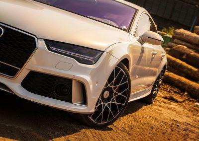 Oklejanie Samochodu Audi RS7 Folią do Zmiany Koloru Auta