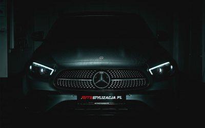 Kolejny Mercedes Oklejony Folią do Zmiany Koloru Auta od 3M